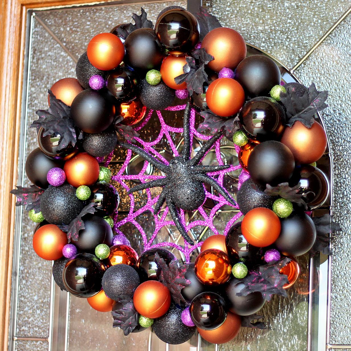 DIY Halloween Ornament Wreath | Where The Smiles Have Been #Halloween #ornaments #wreath #spider