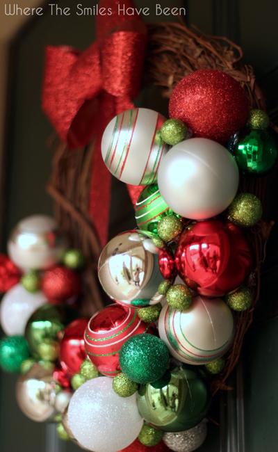 DIY Christmas Ornament Wreath   Where The Smiles Have Been #Christmas #ornament #wreath #holidaydecor