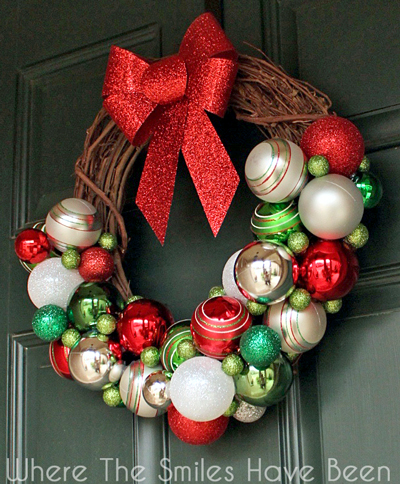 DIY Christmas Ornament Wreath | Where The Smiles Have Been #Christmas #ornament #wreath #holidaydecor