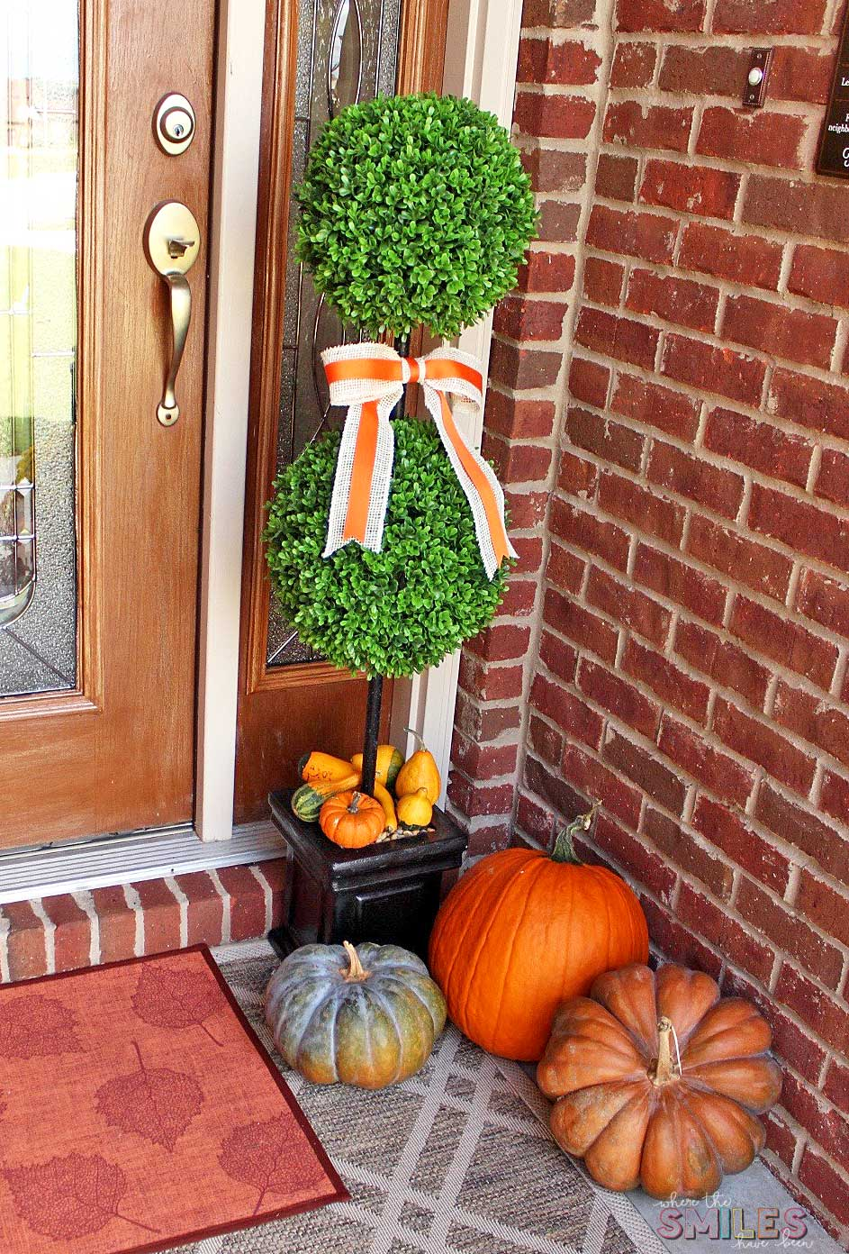 Fall Front Porch Decor: Our Happy Harvest at Home! | Where The Smiles Have Been #fall #porch #pumpkins